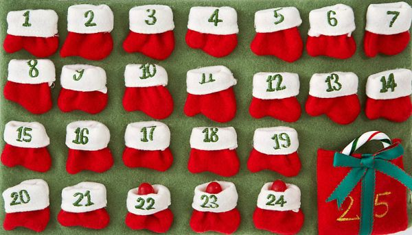 calendario avvento con piccole calze