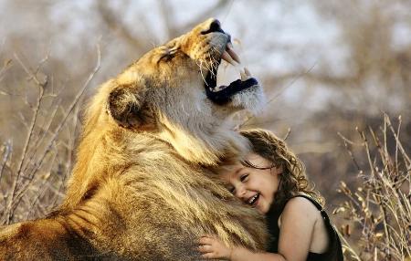 emozioni-sentimenti-leone-bambina
